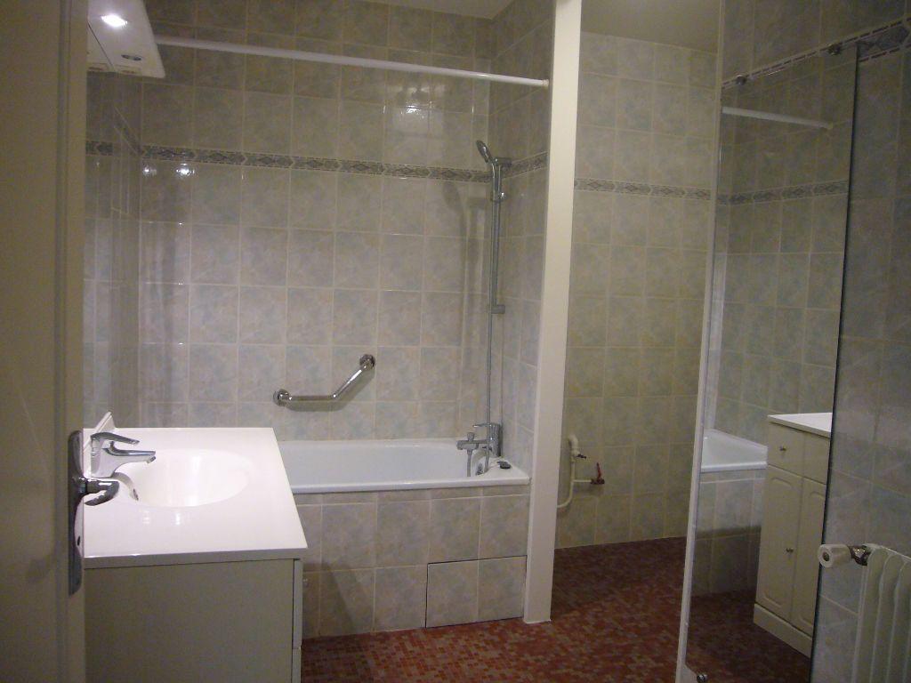 Appartement à louer 4 73m2 à Gif-sur-Yvette vignette-5