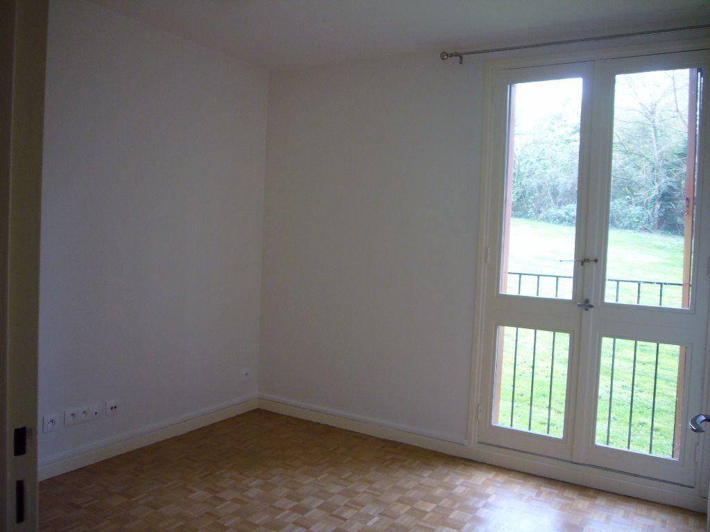 Appartement à louer 4 73m2 à Gif-sur-Yvette vignette-6