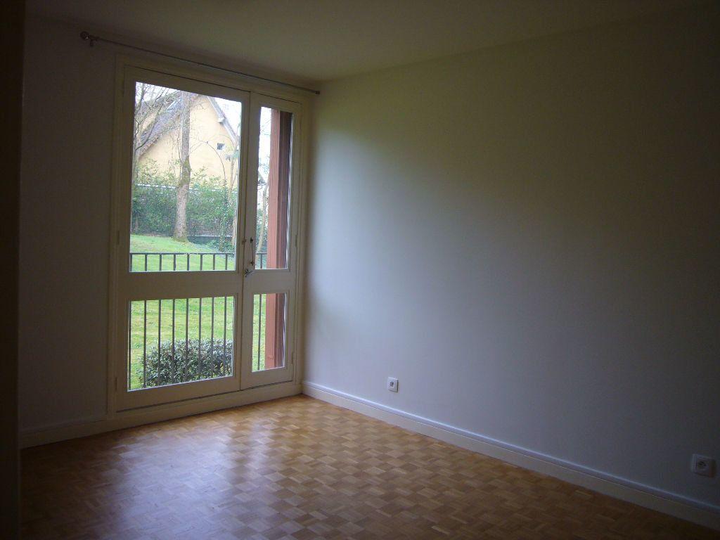 Appartement à louer 4 73m2 à Gif-sur-Yvette vignette-7