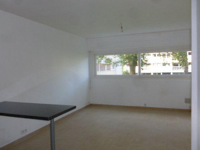Appartement à louer 1 32.2m2 à Gif-sur-Yvette vignette-2
