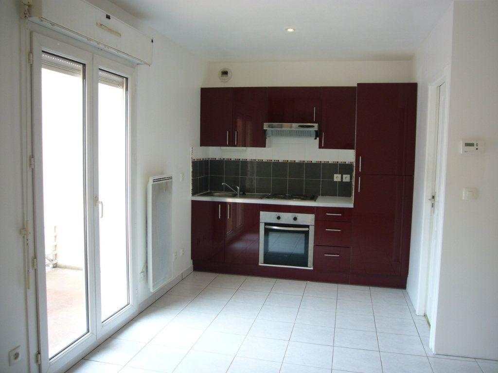 Appartement à louer 1 24.15m2 à Bures-sur-Yvette vignette-1