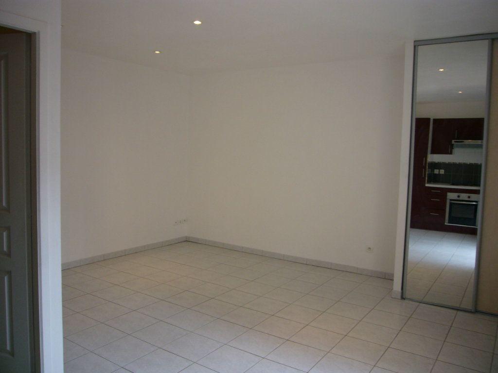 Appartement à louer 1 24.15m2 à Bures-sur-Yvette vignette-2