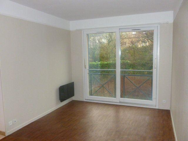 Appartement à louer 1 22m2 à Gif-sur-Yvette vignette-2