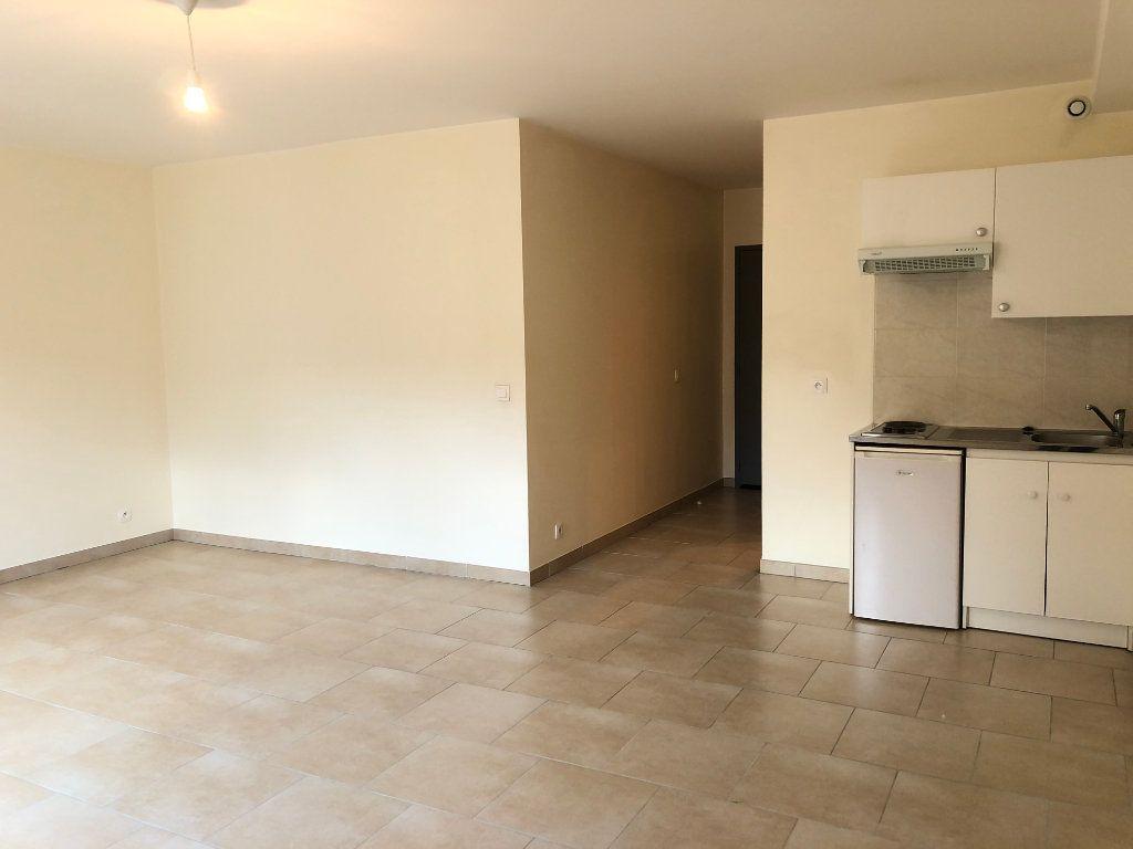 Appartement à louer 1 36m2 à Orsay vignette-1