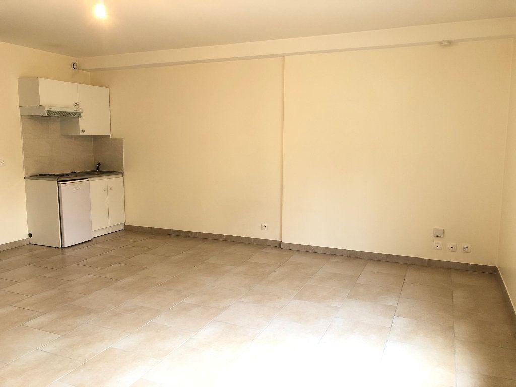 Appartement à louer 1 36m2 à Orsay vignette-3