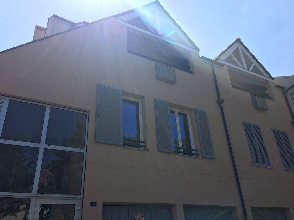 Appartement à louer 1 23.81m2 à Gif-sur-Yvette vignette-3