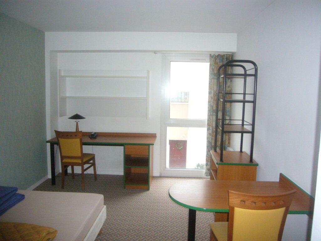 Appartement à louer 1 19.78m2 à Gif-sur-Yvette vignette-1