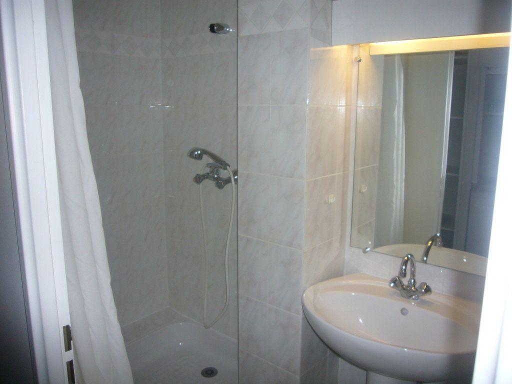 Appartement à louer 1 19.78m2 à Gif-sur-Yvette vignette-3