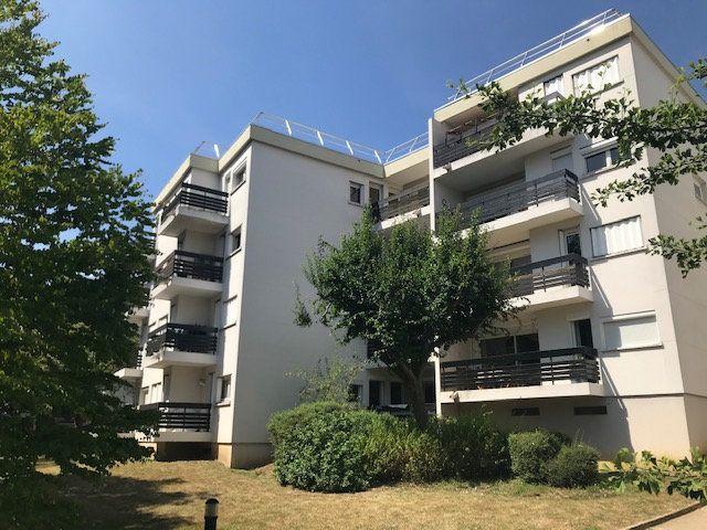 Appartement à louer 3 64.45m2 à Gif-sur-Yvette vignette-2