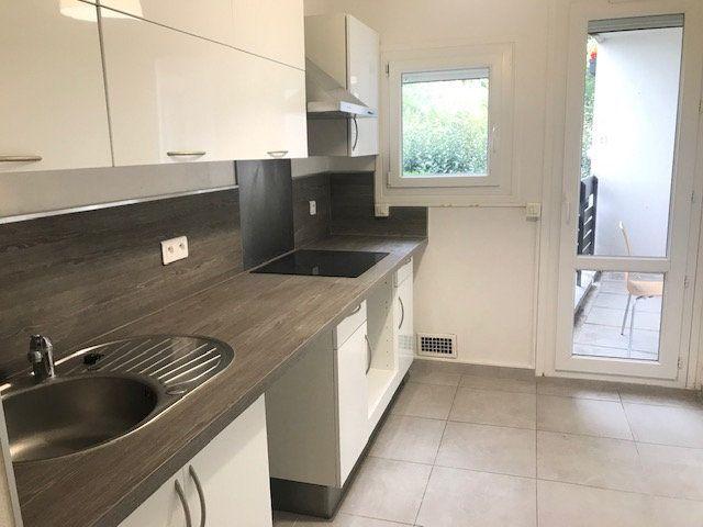 Appartement à louer 3 64.45m2 à Gif-sur-Yvette vignette-3