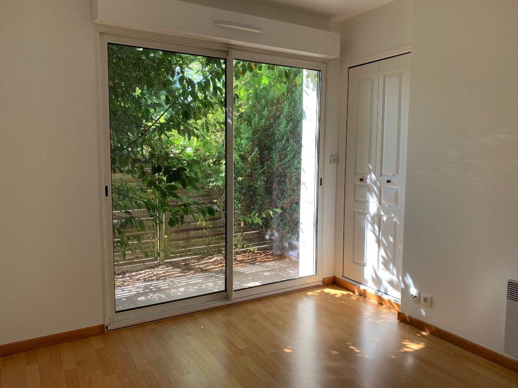 Appartement à louer 2 35m2 à Bures-sur-Yvette vignette-1