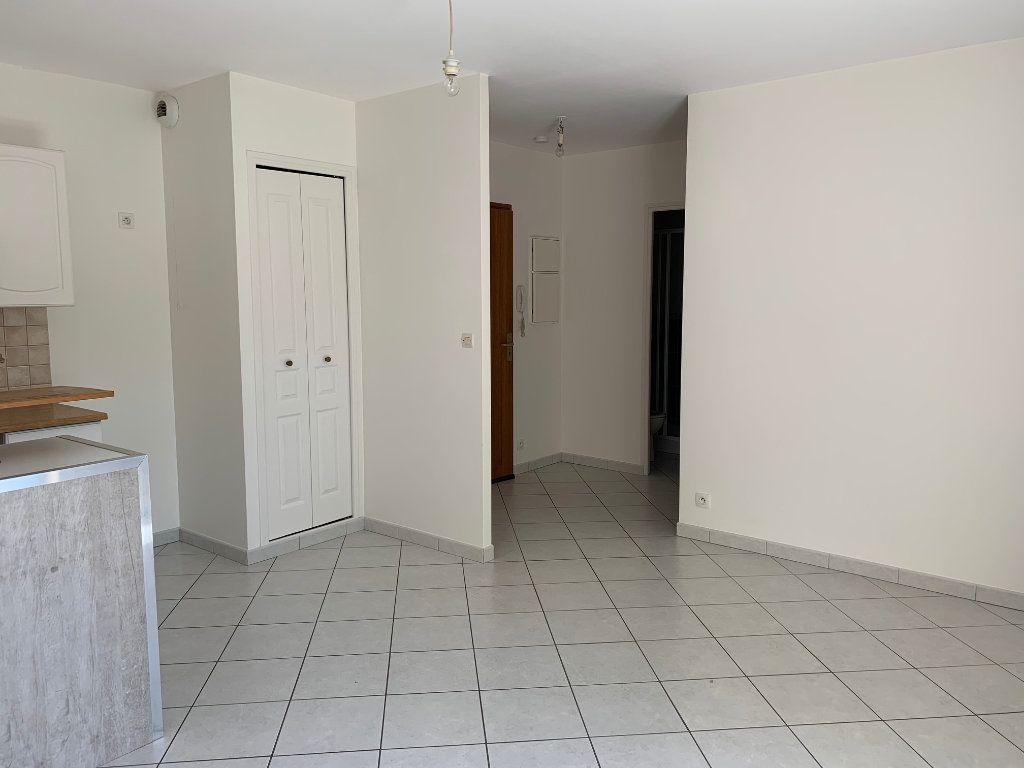 Appartement à louer 2 35m2 à Bures-sur-Yvette vignette-3