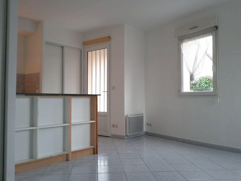 Appartement à louer 1 26.55m2 à Villebon-sur-Yvette vignette-1