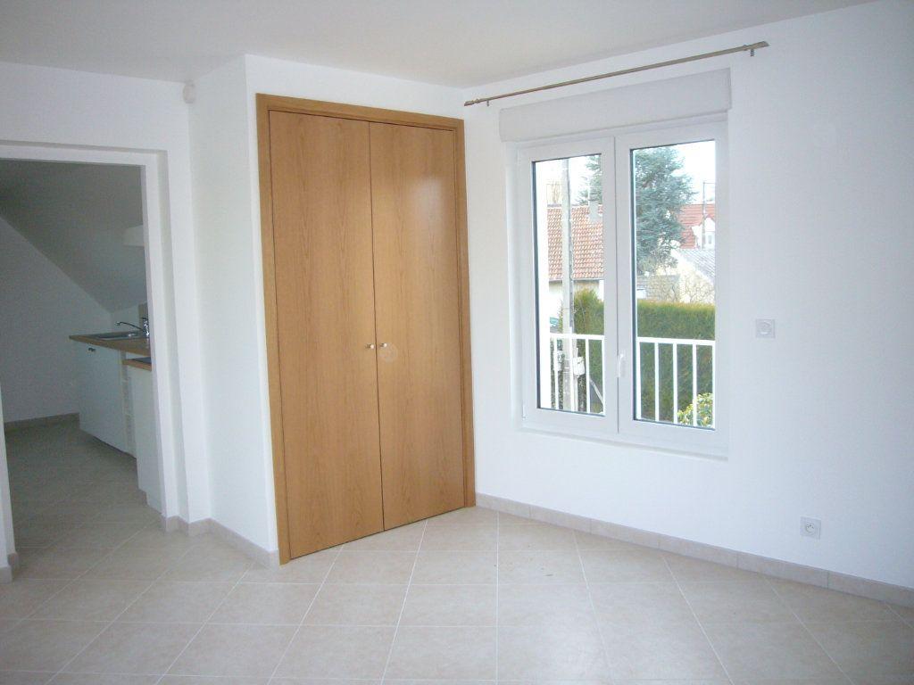 Appartement à louer 1 26.67m2 à Orsay vignette-2