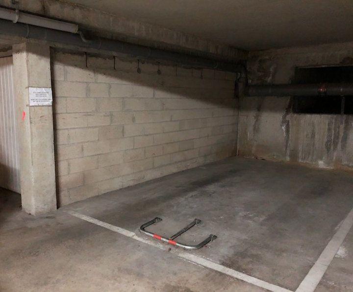 Stationnement à louer 0 0m2 à Gif-sur-Yvette vignette-2