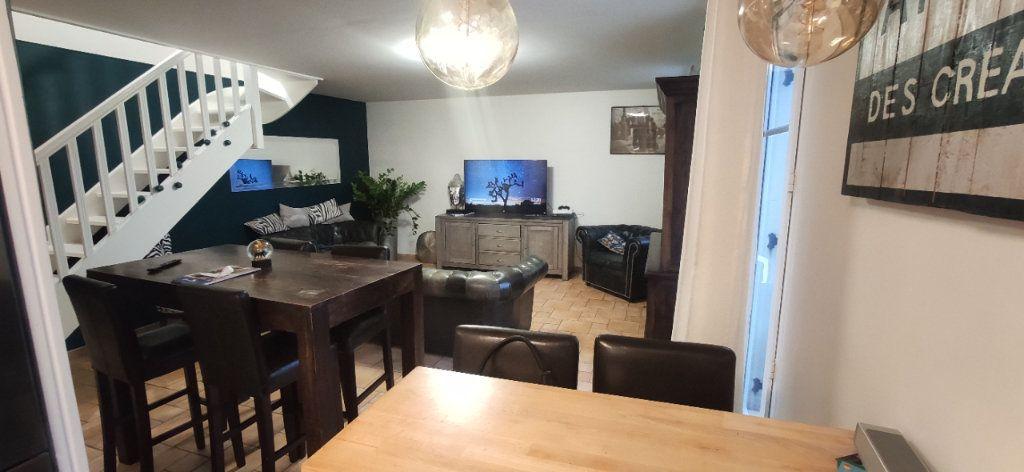 Appartement à louer 4 79.4m2 à Les Ulis vignette-2