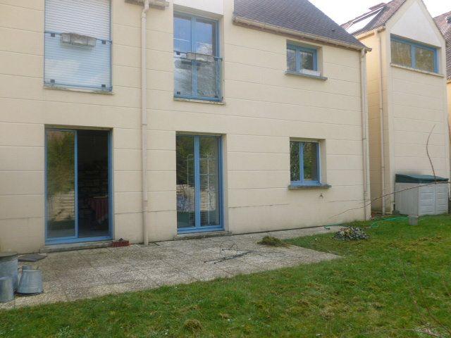 Appartement à louer 3 65.6m2 à Saint-Rémy-lès-Chevreuse vignette-1