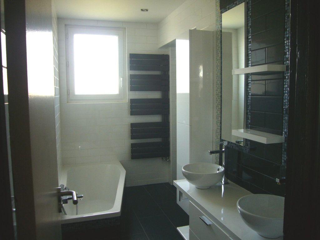 Appartement à louer 3 56.75m2 à Bures-sur-Yvette vignette-2