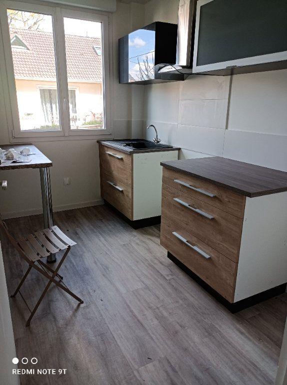 Appartement à louer 3 48.58m2 à Gif-sur-Yvette vignette-1