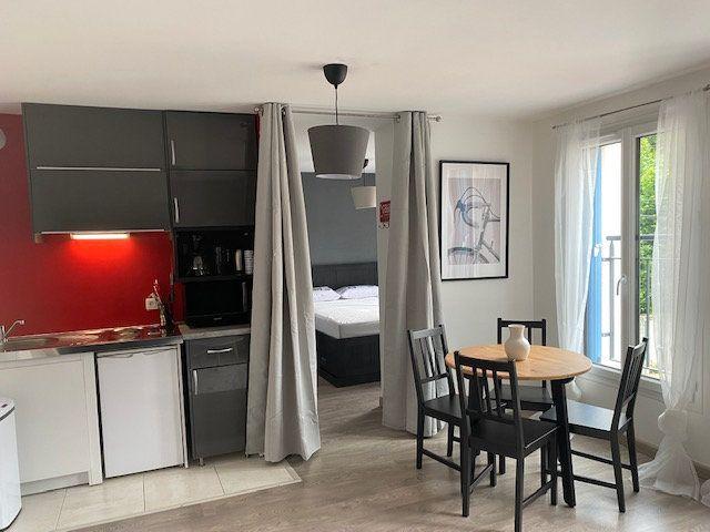Appartement à louer 2 33.72m2 à Saint-Rémy-lès-Chevreuse vignette-1