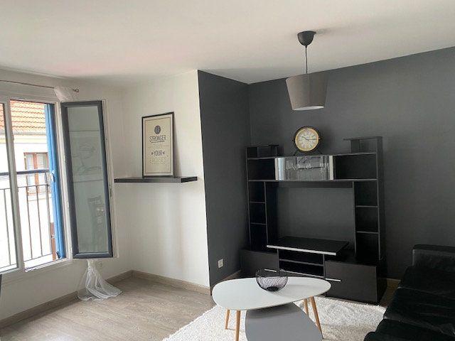 Appartement à louer 2 33.72m2 à Saint-Rémy-lès-Chevreuse vignette-2