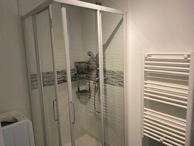 Appartement à louer 2 33.72m2 à Saint-Rémy-lès-Chevreuse vignette-4