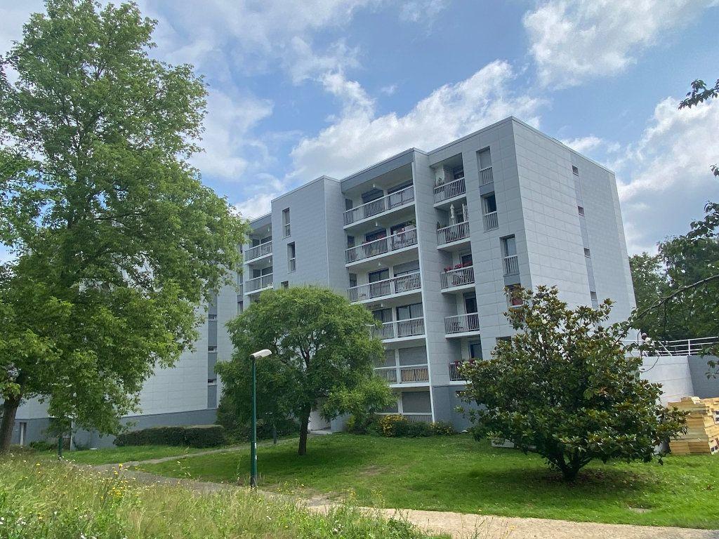 Appartement à louer 4 86.4m2 à Les Ulis vignette-1
