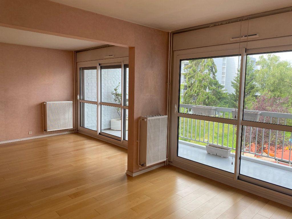 Appartement à louer 4 86.4m2 à Les Ulis vignette-2