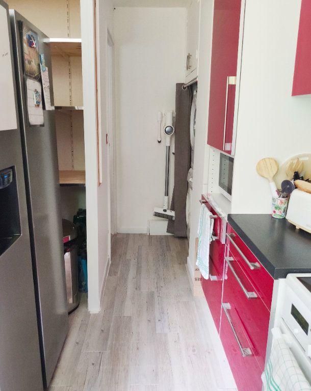 Appartement à louer 3 64.04m2 à Gif-sur-Yvette vignette-5
