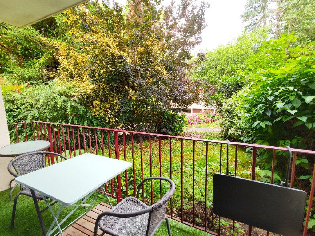 Appartement à louer 3 64.04m2 à Gif-sur-Yvette vignette-11