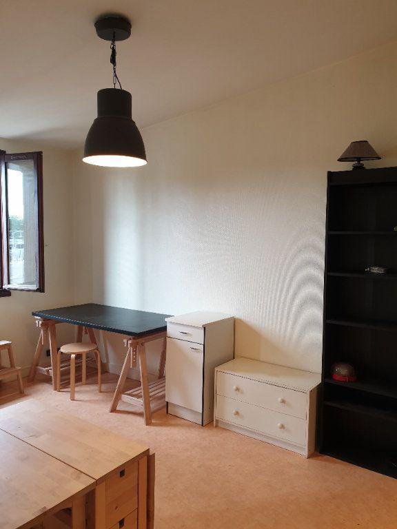 Appartement à louer 2 32.65m2 à Orsay vignette-1