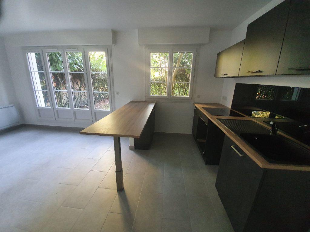 Appartement à louer 1 35.76m2 à Gif-sur-Yvette vignette-1