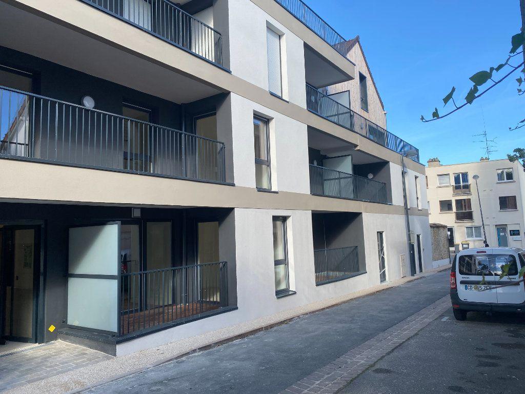 Appartement à louer 3 59.4m2 à Orsay vignette-1