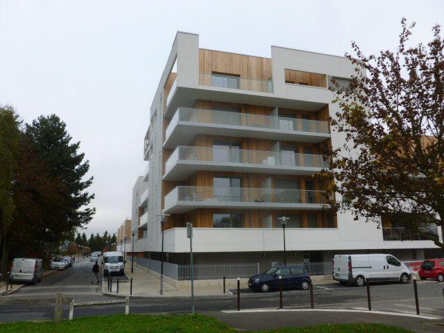 Appartement à louer 2 43m2 à Les Ulis vignette-1
