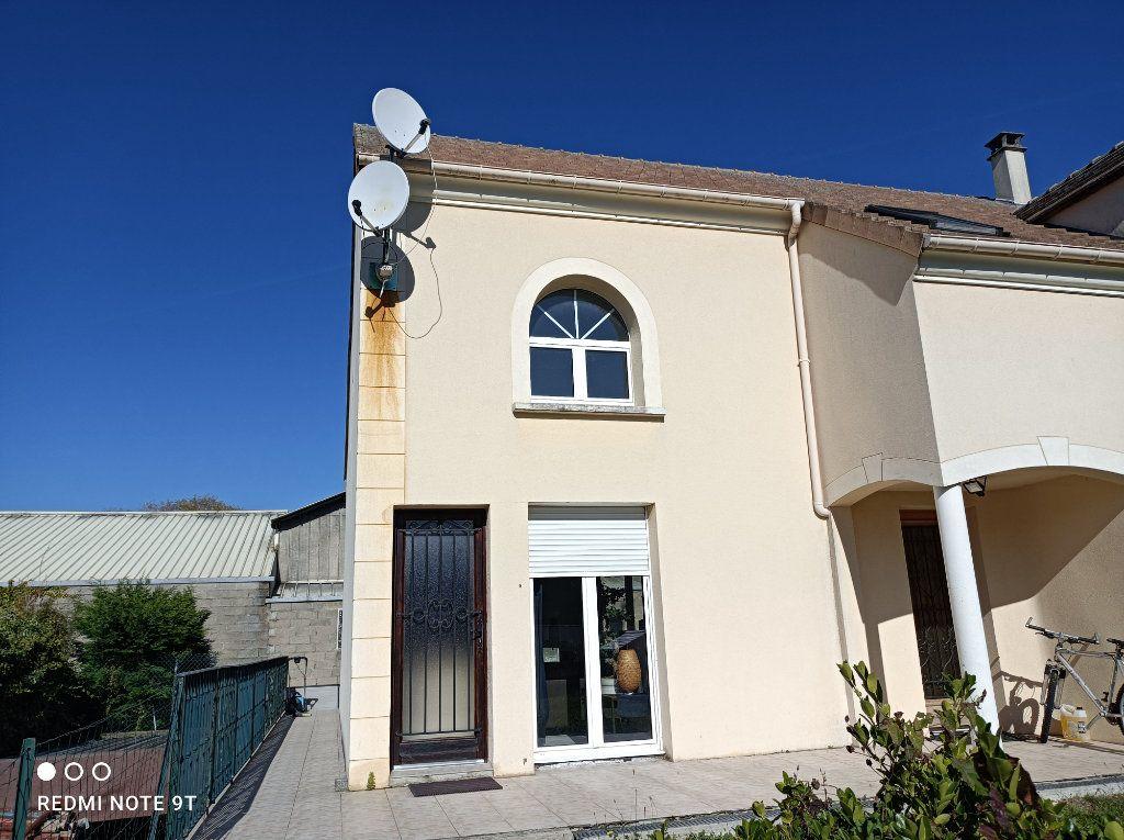 Appartement à louer 1 16.08m2 à Villejust vignette-1