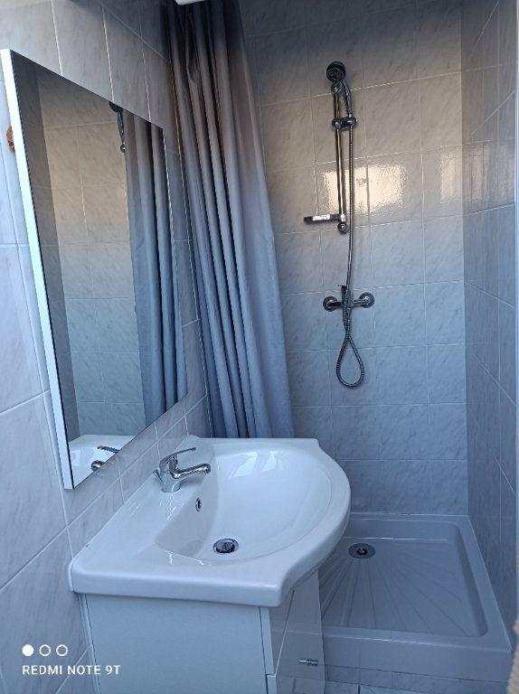 Appartement à louer 1 16.08m2 à Villejust vignette-3