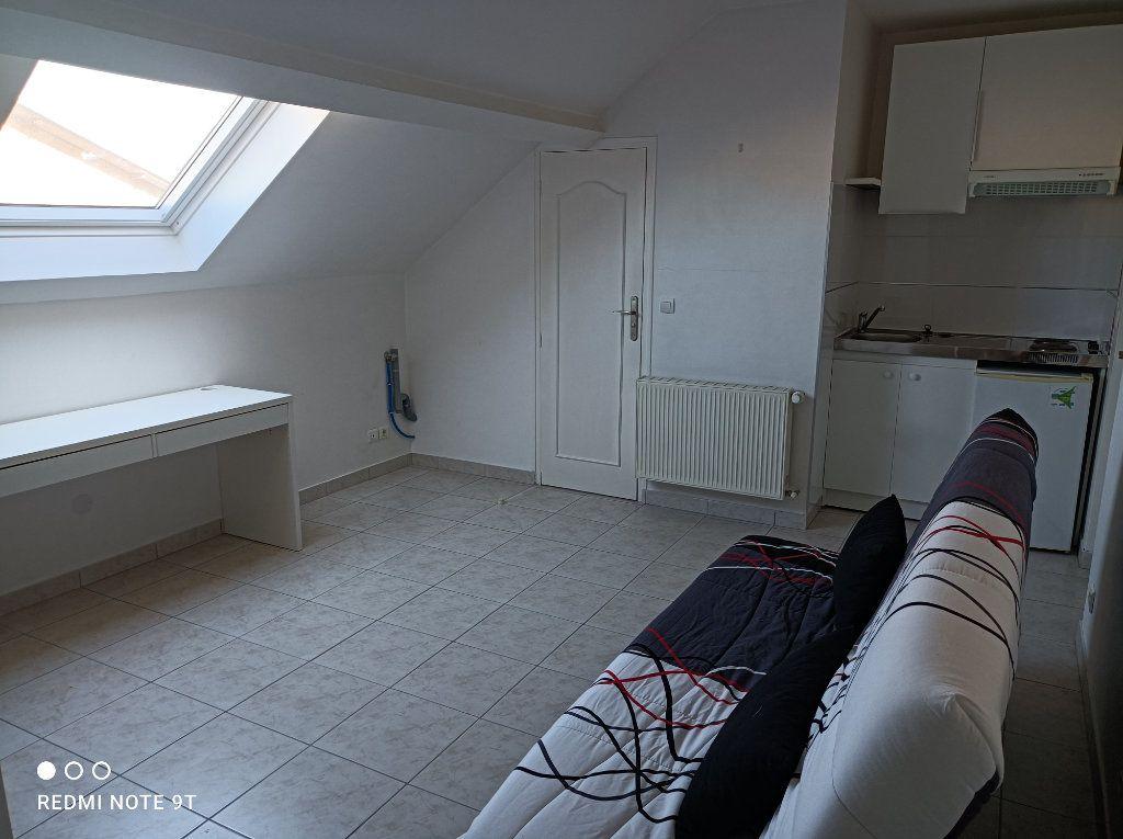 Appartement à louer 1 16.08m2 à Villejust vignette-4