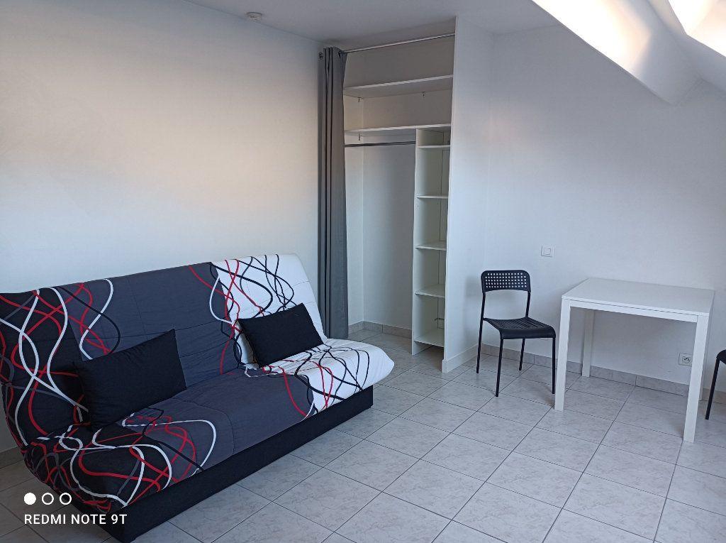 Appartement à louer 1 16.08m2 à Villejust vignette-5