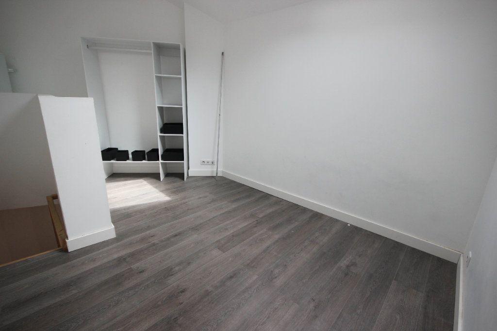 Appartement à louer 2 34m2 à Salies-de-Béarn vignette-4