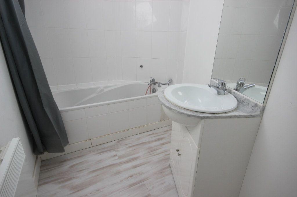 Appartement à louer 2 34m2 à Salies-de-Béarn vignette-5
