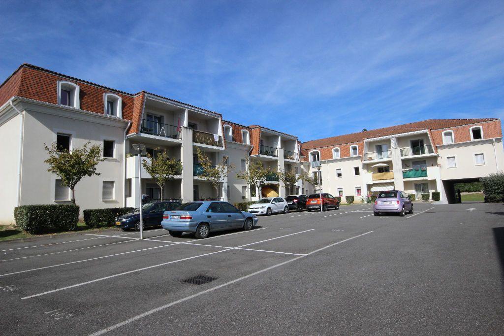 Appartement à louer 2 33m2 à Orthez vignette-1