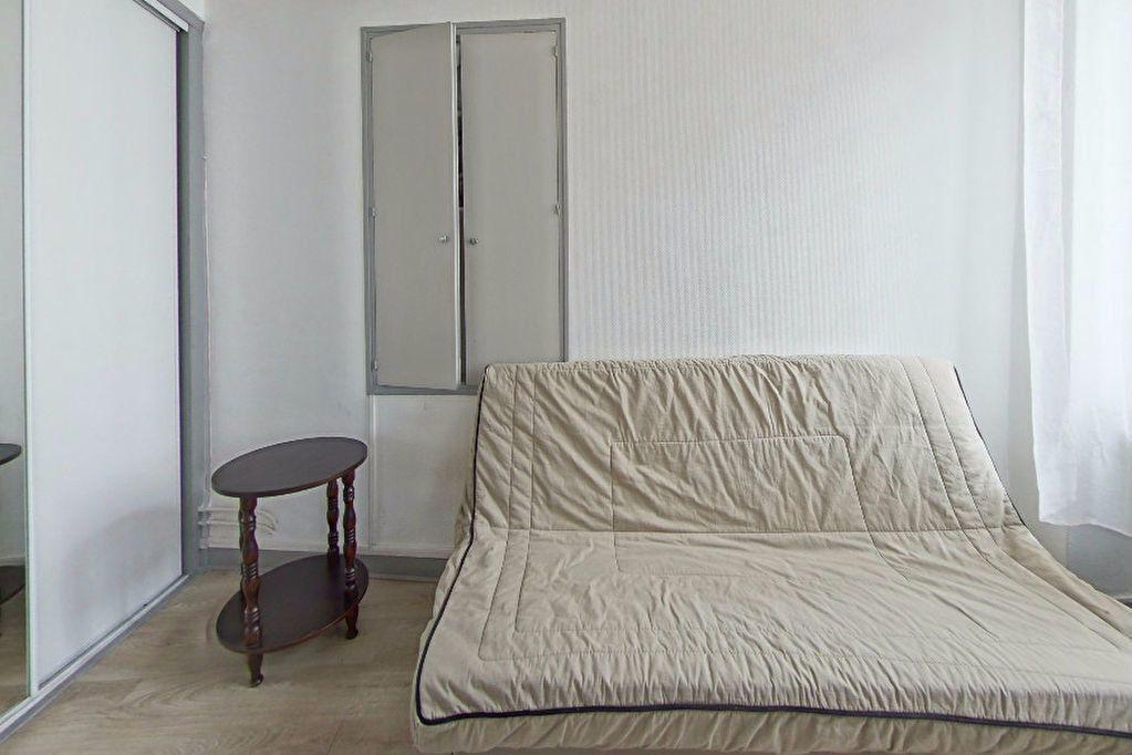 Appartement à louer 1 25m2 à Orthez vignette-4