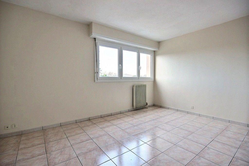 Appartement à louer 2 46m2 à Orthez vignette-1