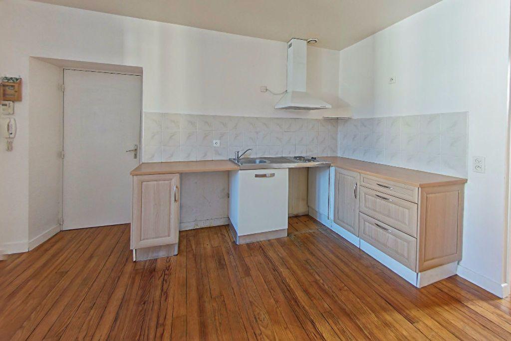 Appartement à louer 2 39m2 à Orthez vignette-1