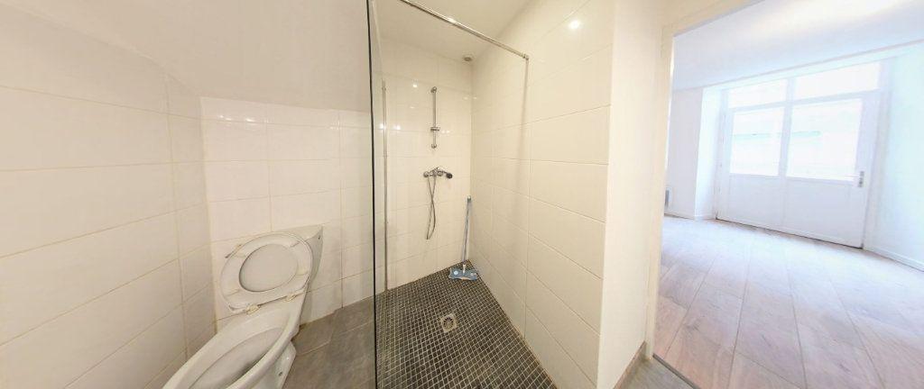Appartement à louer 2 33m2 à Salies-de-Béarn vignette-3