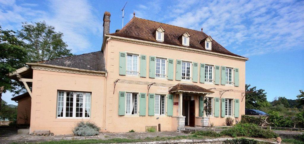 Maison à vendre 11 300m2 à Sauveterre-de-Béarn vignette-1