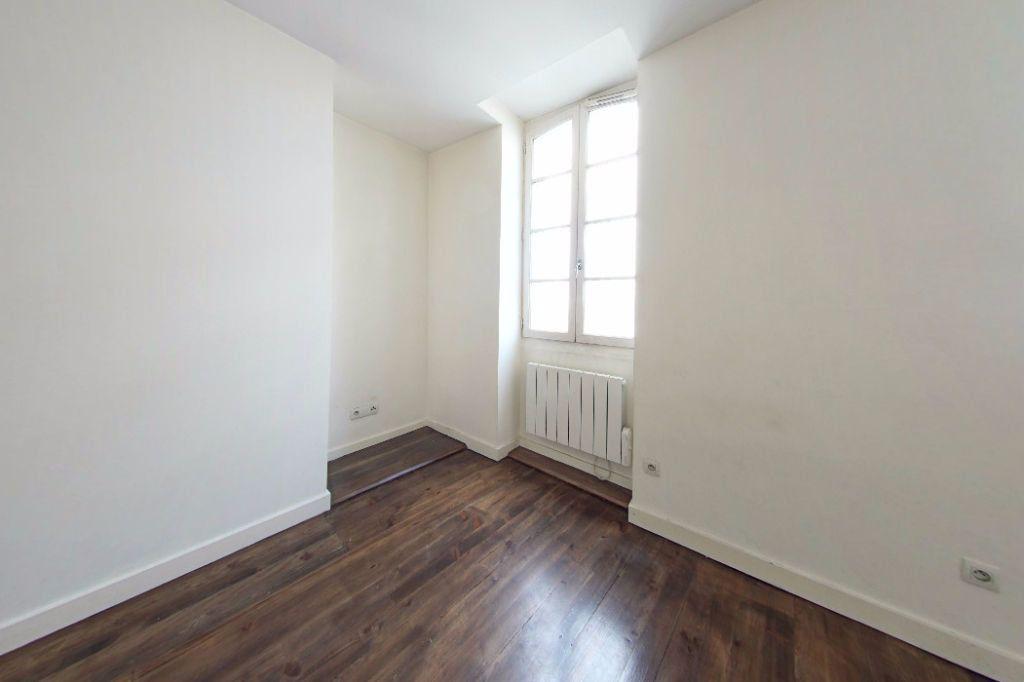 Appartement à louer 2 50m2 à Orthez vignette-2
