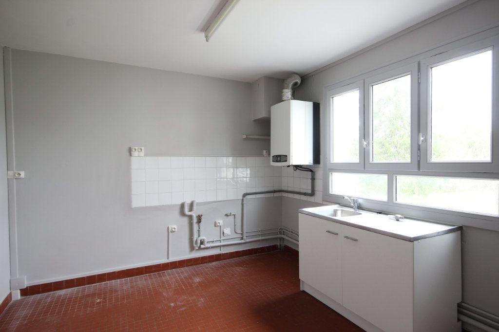 Maison à vendre 5 100m2 à Sauveterre-de-Béarn vignette-4