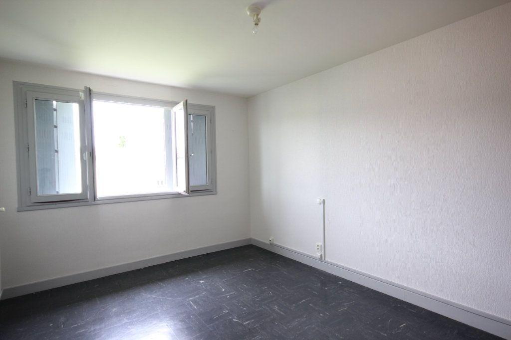 Maison à vendre 5 100m2 à Sauveterre-de-Béarn vignette-5