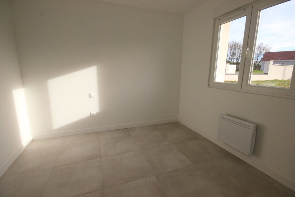 Maison à louer 4 92m2 à Bérenx vignette-4